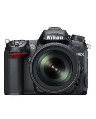 Nikon D7000 – 16.2 MP Penta prism
