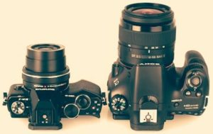 What is the difference between SLR and DSLR
